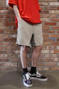 Beige Half Banding Pants<br>베이지컬러, 밴딩 디테일<br>베이직한 디자인 하프팬츠