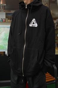Black Palace Hood Zip-Up<br>블랙컬러, 팔라X 재현한 디자인<BR>스카치 로고 디테일의 후드집업