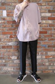 Pink Round Neck Half Shirts<br>실키한 원단, 라운드 넥 디자인<br>시원한 착용감의 하프셔츠