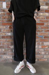 Black Linen Wide Slacks Pants<br>블랙컬러, 와이드한 핏감<br>시원한 린넨 소재의 슬랙스 팬츠