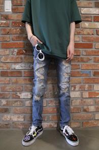 Vintage Destroyed Denim Pants<br>빈티지한 디스트로이드 디테일<br>중청톤의 디스 데님 팬츠
