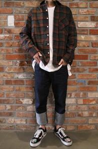 Flannel Red Check Shirts<Br>두툼한 소재감, 체크패턴<br>가을 겨울철 활용하기 좋은 체크셔츠