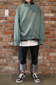 Green & Gray Pigment MTM<BR>그린과 그레이 두가지 컬러, 피그먼트 워싱<BR>박시한 핏감의 워싱 맨투맨
