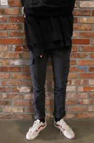 2 Color Washing Cargo Pants<Br>카키,그레이 두가지 컬러<br>깔끔한 디자인의 카고 팬츠