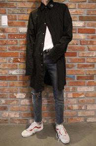 Black Side Zipper Long Shirts<Br>블랙컬러, 사이드 지퍼 디테일<br>롱한 기장감의 사이드 집업 셔츠