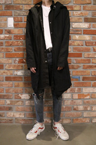 Black Cotton Hood Cardigan<br>블랙컬러, 쭈리소재<br>비대칭 디자인의 후드 가디건