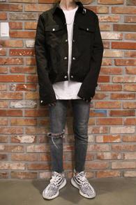 Black Collar Piercing Jacket<br>블랙컬러, 카라 피어싱 디테일<br>깔끔한 디자인의 카라 기본 자켓