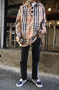 B Check Hood Anorak<br>체크 패턴, 아노락 디자인<br>체크 패턴이 매력적인 아노락 후드