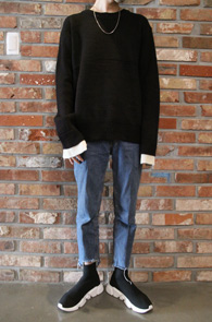 3 Color Layered Knit<br>블랙,그레이, 옐로우 3가지 컬러<br>소매부분 레이어드 디테일의 기본니트