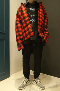 2 Color Over Shirs Jacket<Br>레드와 블루 두가지 컬러<br>박시한 핏감의 체크 샤켓